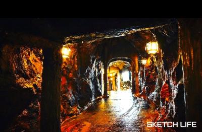 三段壁の洞窟1